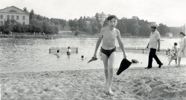 Архивное фото 1960-х годов: пляж Люблинского пруда
